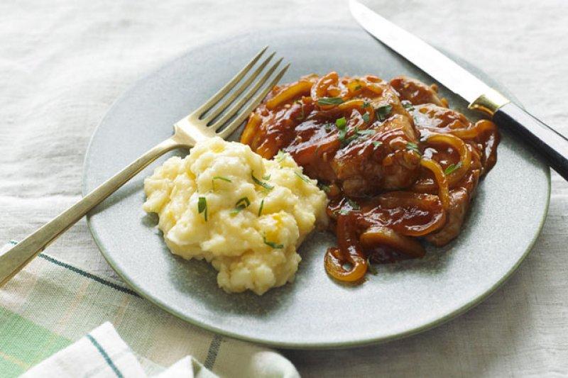 recettes sant porc barbecue et pommes de terre au fromage. Black Bedroom Furniture Sets. Home Design Ideas